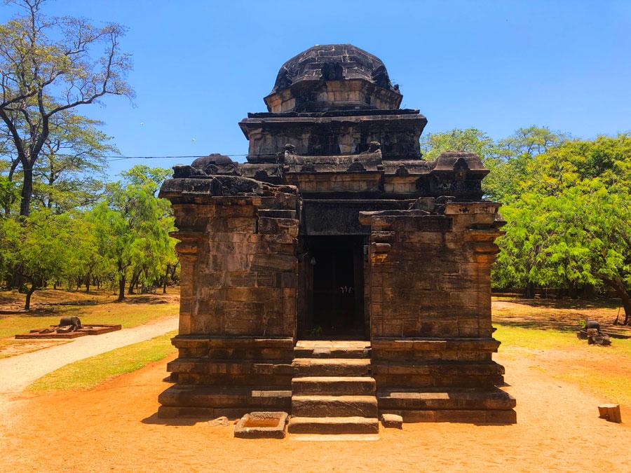 Siva-Devale-No.-2-Polonnaruwa