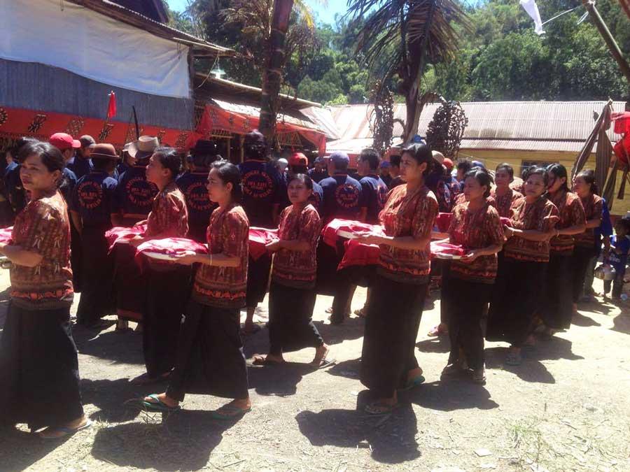 Tana-Toraja-begrafenis-2
