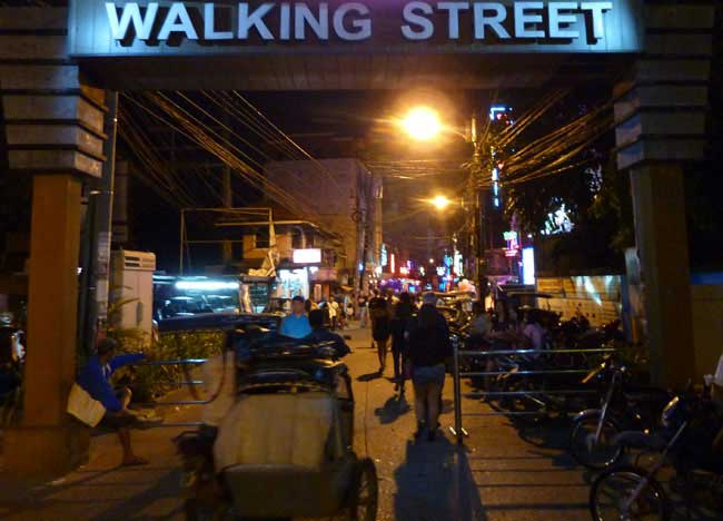Angeles-City-Walking-Street