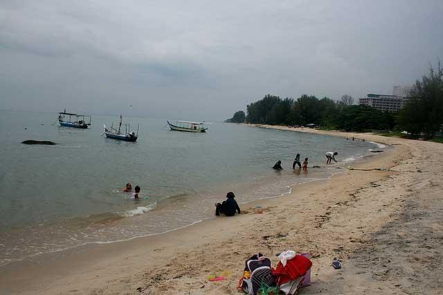 Teluk-Bahang-Beach