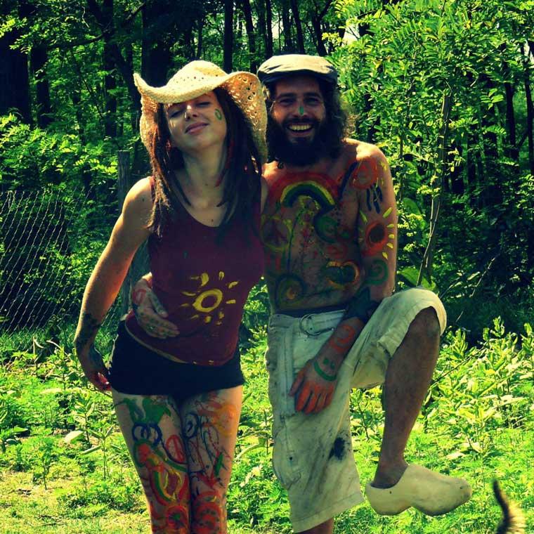 Gijs samen met zijn vriendin op hun plekje in Hongarije