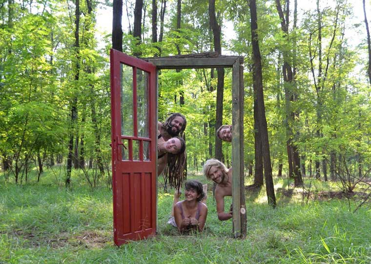 De 'door to wonderland'