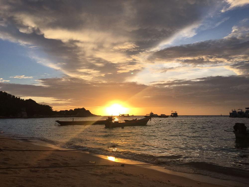 Een van de zonsondergangen die ik vanaf het Mae Haad Beach heb gezien