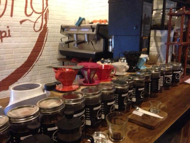 Dit zijn enkele koffiesoorten waar je uit kunt kiezen - ruik even en maak je keuze :)