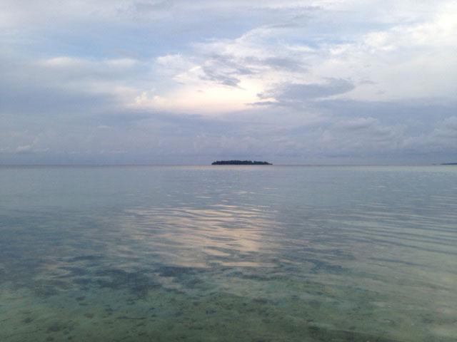 pulau-cemara-kecil-verborgen-strandpulau-cemara-kecil-uitzicht