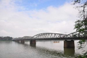 Truong-Tien-Bridge-Hue
