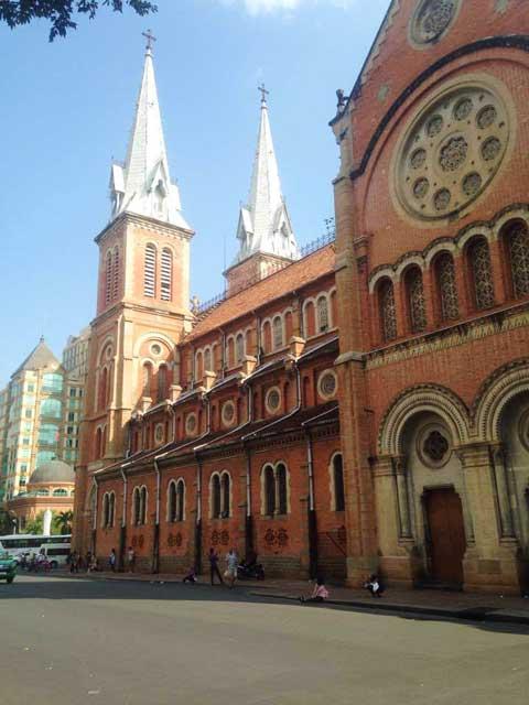 Basiliek-van-Notre-Dam-Ho-Chi-Minh