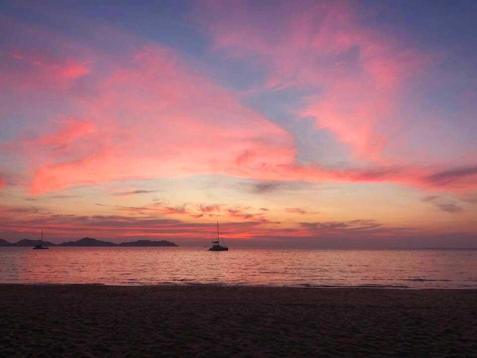 Charlie-Beach-zonsondergang