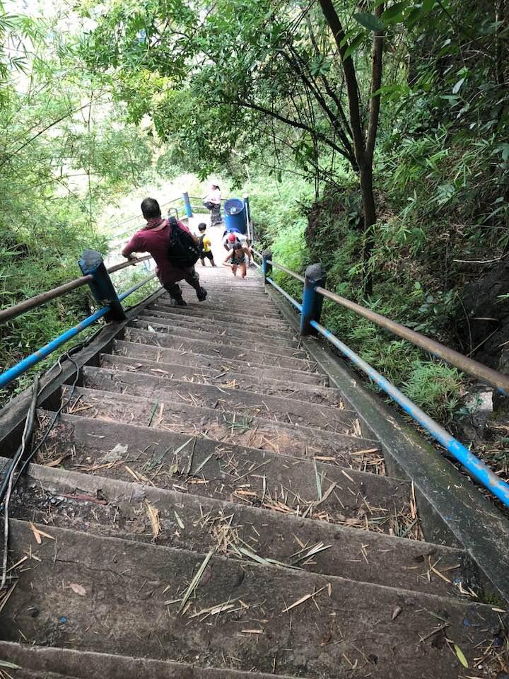 Tiger Cave Tempel steile trap