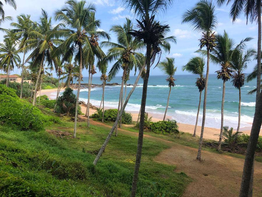 Silent-Beach-Tangalle-2