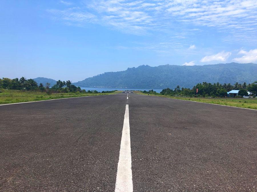 Banda-Neira-Airport
