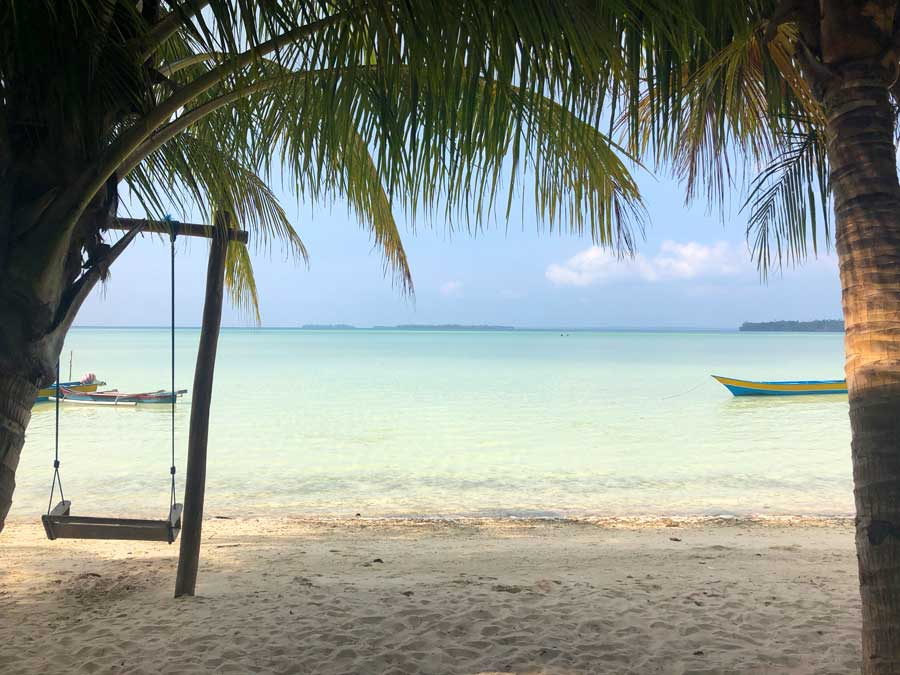 Ohoidertawun-Beach-Kei-Kecil