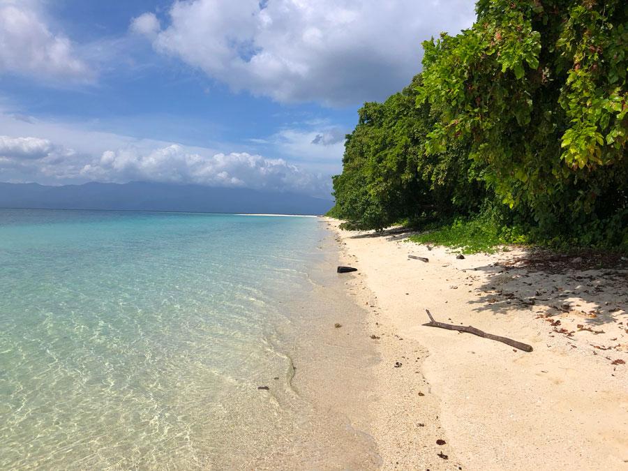 Pulau Pombo Ambon