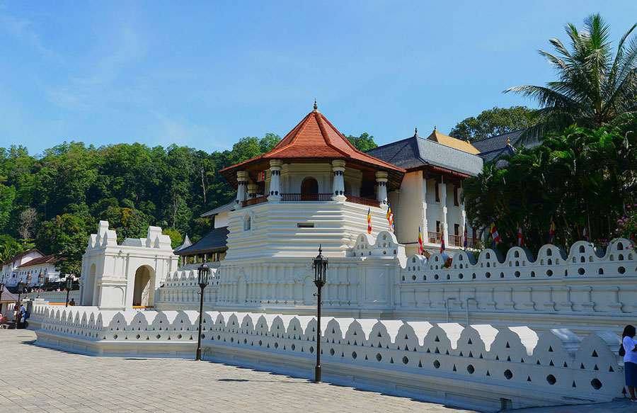 Temple-of-the-Tooth-Kandy