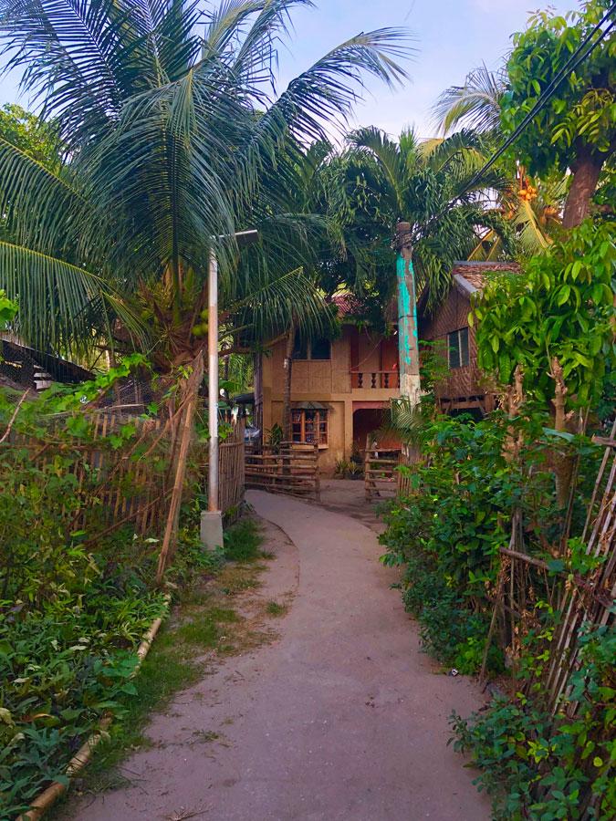 Apo-Village