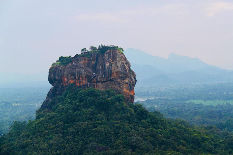 Pidurangala-Rock-uitzicht-Lion-Rock 2