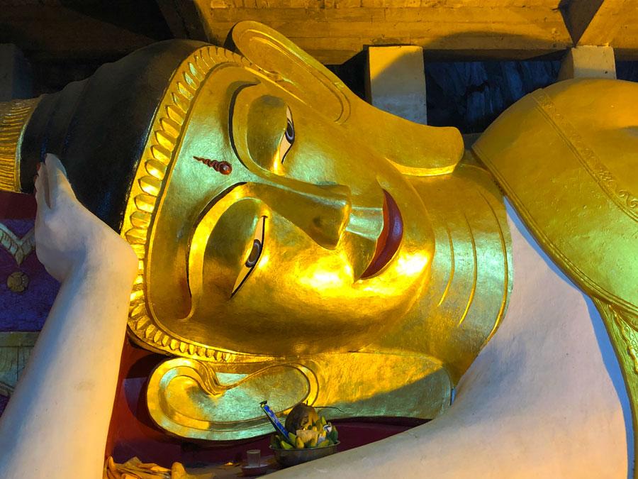 Sadan-Cave-liggende-Boeddha