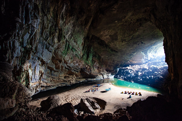 Hang En Cave Vietnam